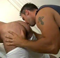 sex-gay-anal-oral-laundry-bear-hairy